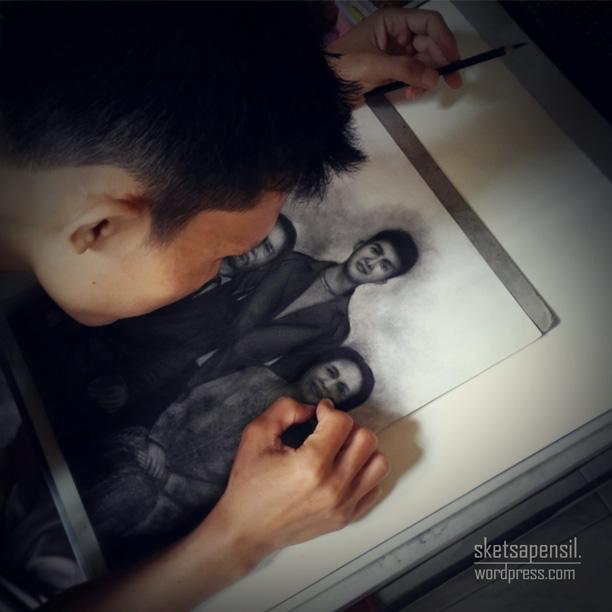 Lukisan Foto Keluarga Sketsa Pensil